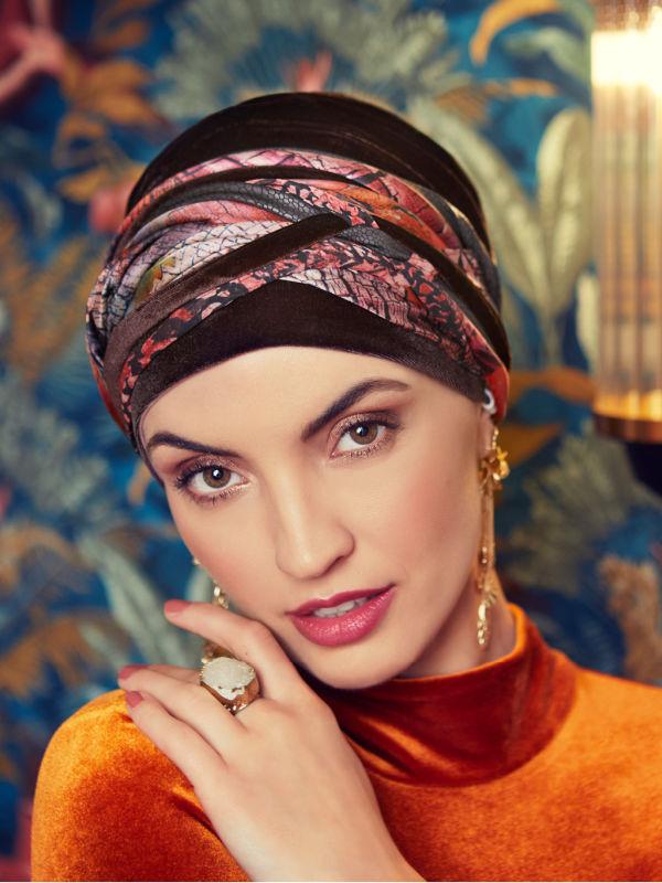 Turban Boho Spirit Scarlett Velvet Dark Brown - chemo mutsje / alopecia turban