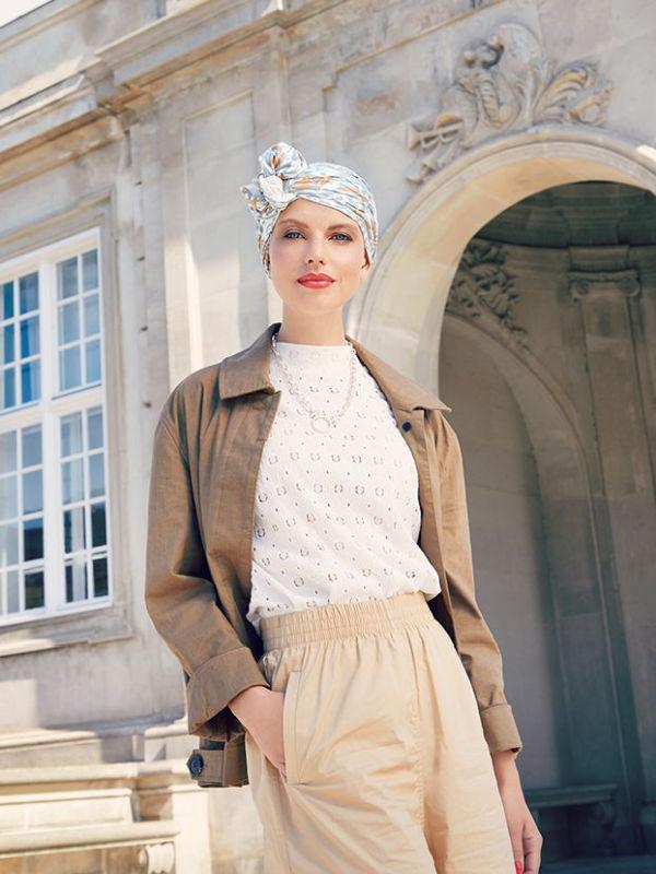 Sjaalmutsje Beatrice - Ikat Blues - voorgevormd chemo sjaaltje /  alopecia hoofddoekje