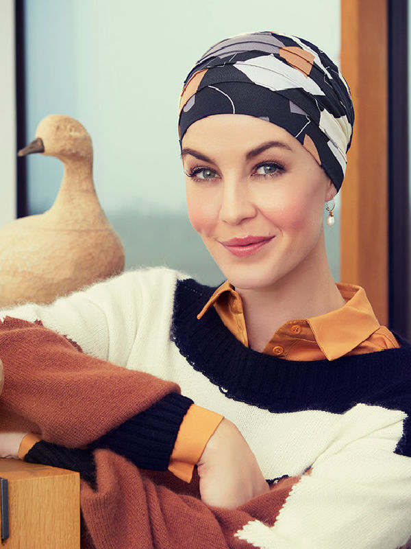 Top Yoga Shapes of Browns - chemo mutsje / alopecia mutsje