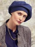 Marie V Baret - jeans - chemo muts / alopecia hoofdbedekking